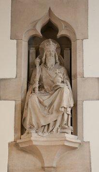 st edward statue
